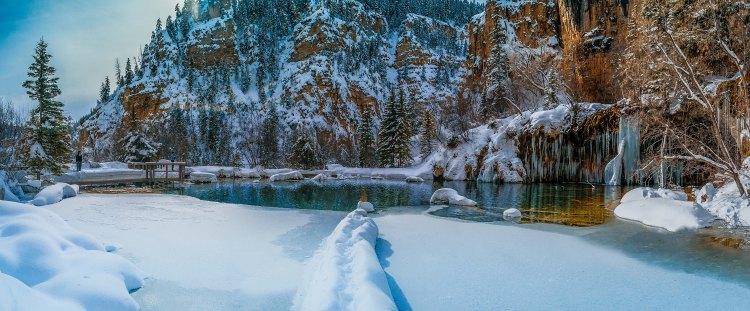 hanging-lake-winter-side-pano-1-of-1